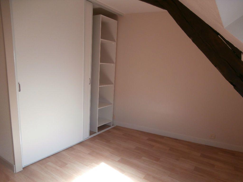 Appartement à louer 2 40m2 à Terrasson-Lavilledieu vignette-3