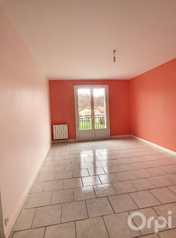 Appartement à louer 3 64.64m2 à Terrasson-Lavilledieu vignette-1