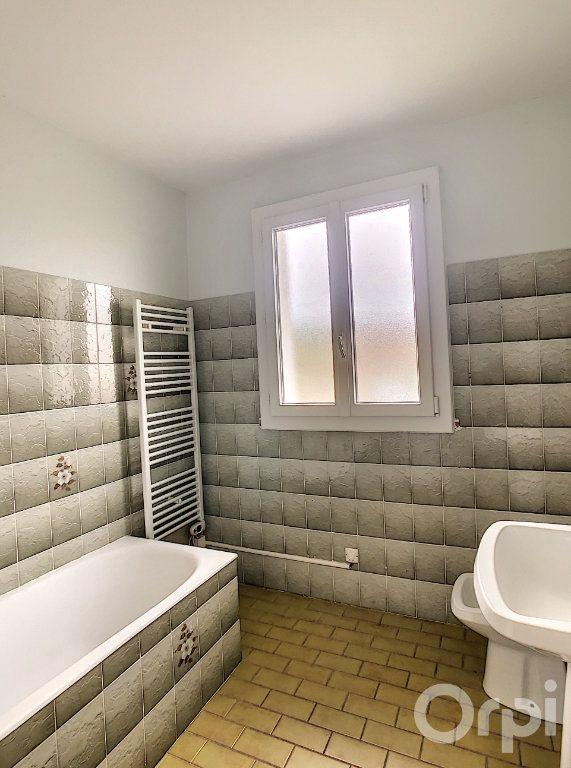 Appartement à louer 3 64.64m2 à Terrasson-Lavilledieu vignette-5