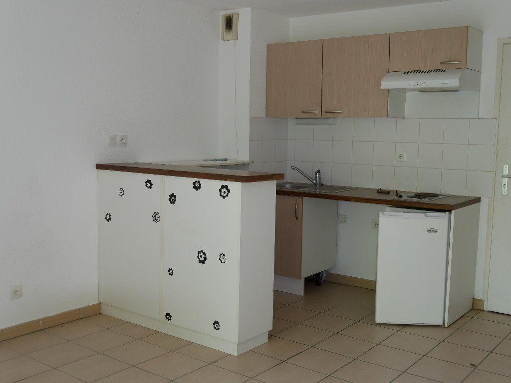 Appartement à vendre 2 35.8m2 à Terrasson-Lavilledieu vignette-3