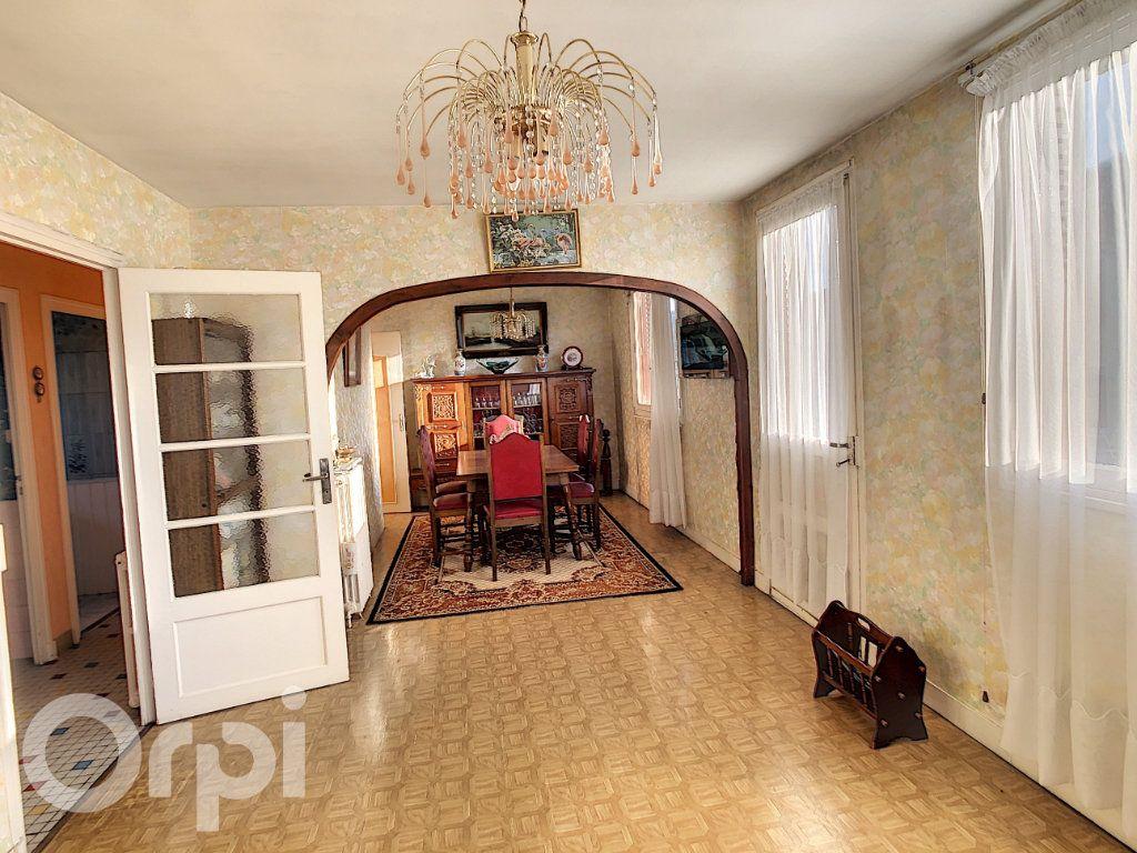 Maison à vendre 5 81m2 à Condat-sur-Vézère vignette-2