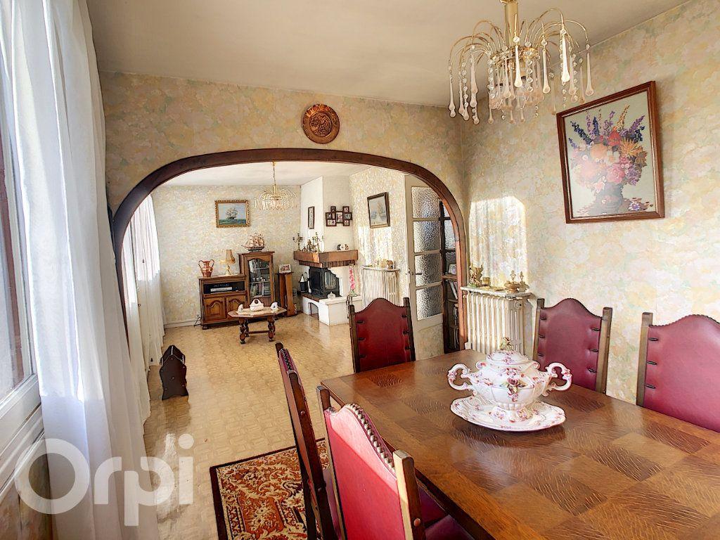 Maison à vendre 5 81m2 à Condat-sur-Vézère vignette-3