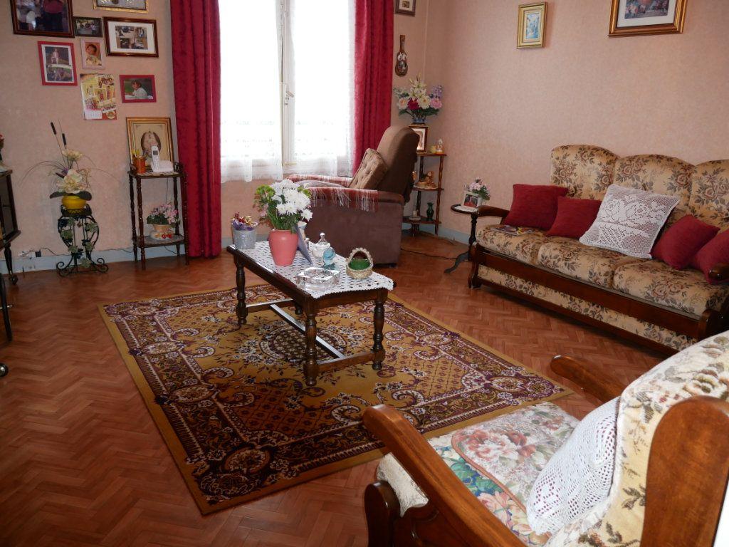 Appartement à vendre 4 95m2 à Terrasson-Lavilledieu vignette-1