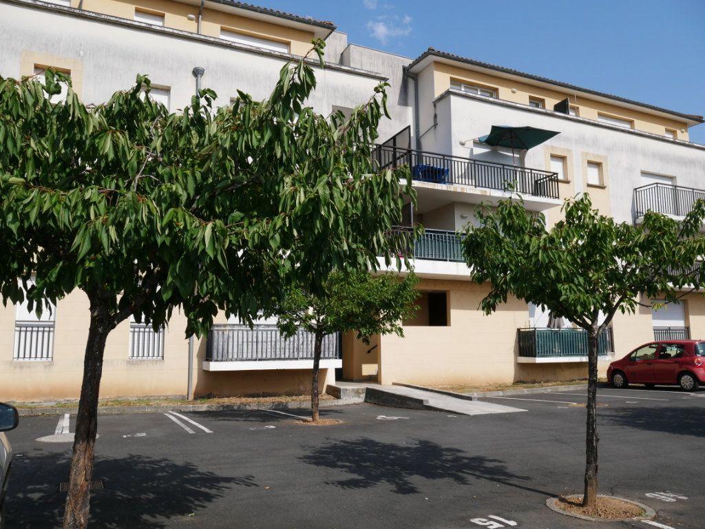 Appartement à vendre 2 44m2 à Terrasson-Lavilledieu vignette-1