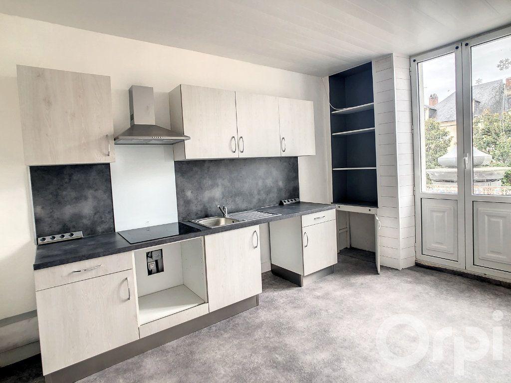 Appartement à louer 3 70m2 à Terrasson-Lavilledieu vignette-1