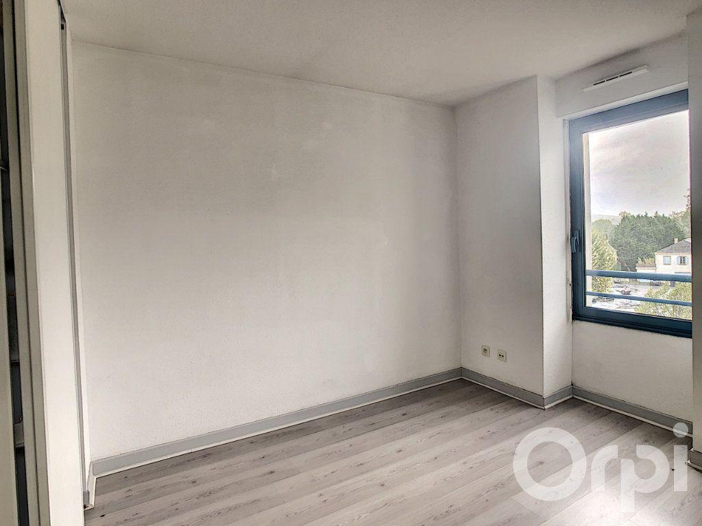 Appartement à louer 3 70.53m2 à Terrasson-Lavilledieu vignette-7
