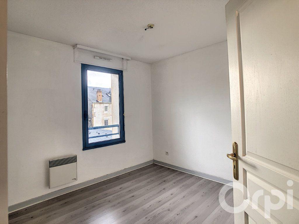 Appartement à louer 3 70.53m2 à Terrasson-Lavilledieu vignette-8