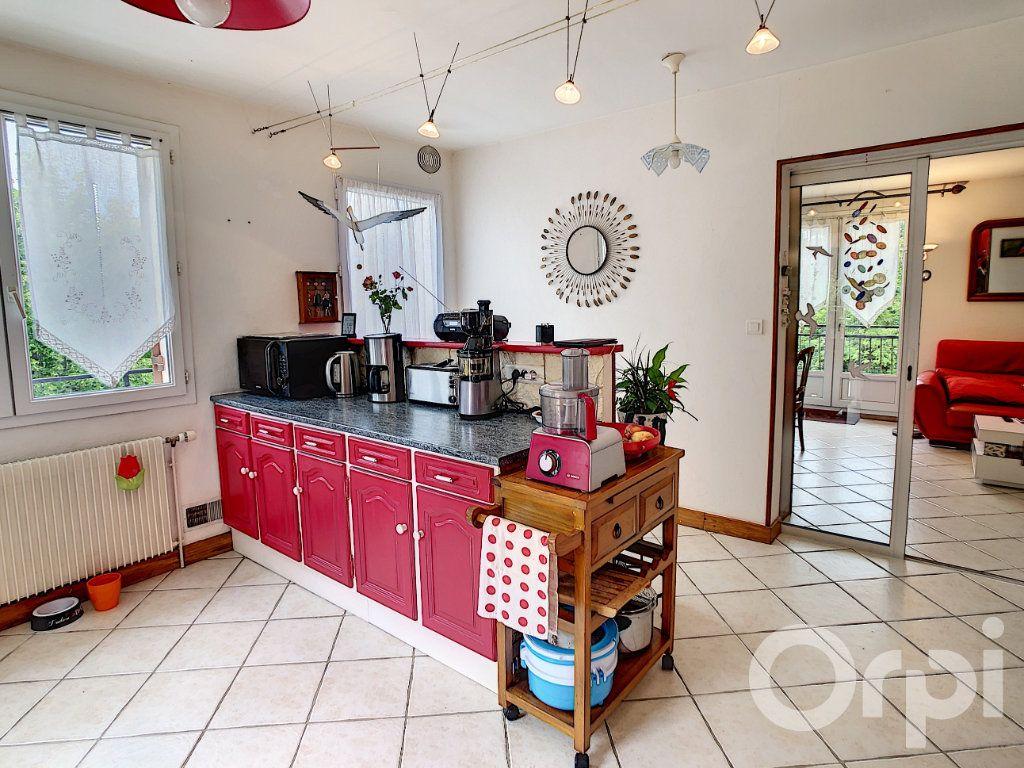 Maison à vendre 8 160m2 à Beauregard-de-Terrasson vignette-4