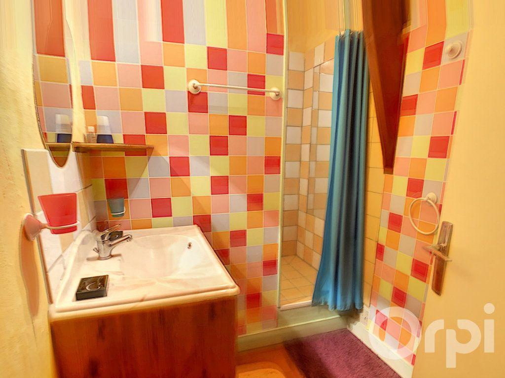 Maison à vendre 8 160m2 à Beauregard-de-Terrasson vignette-9