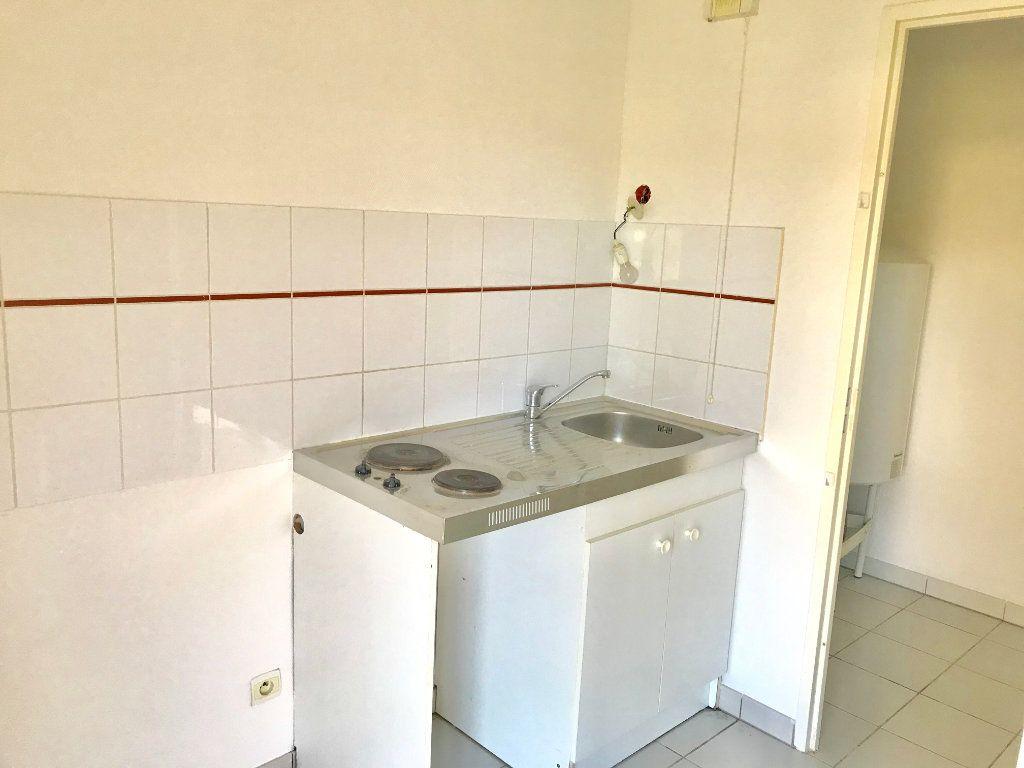 Appartement à vendre 2 48m2 à Terrasson-Lavilledieu vignette-2