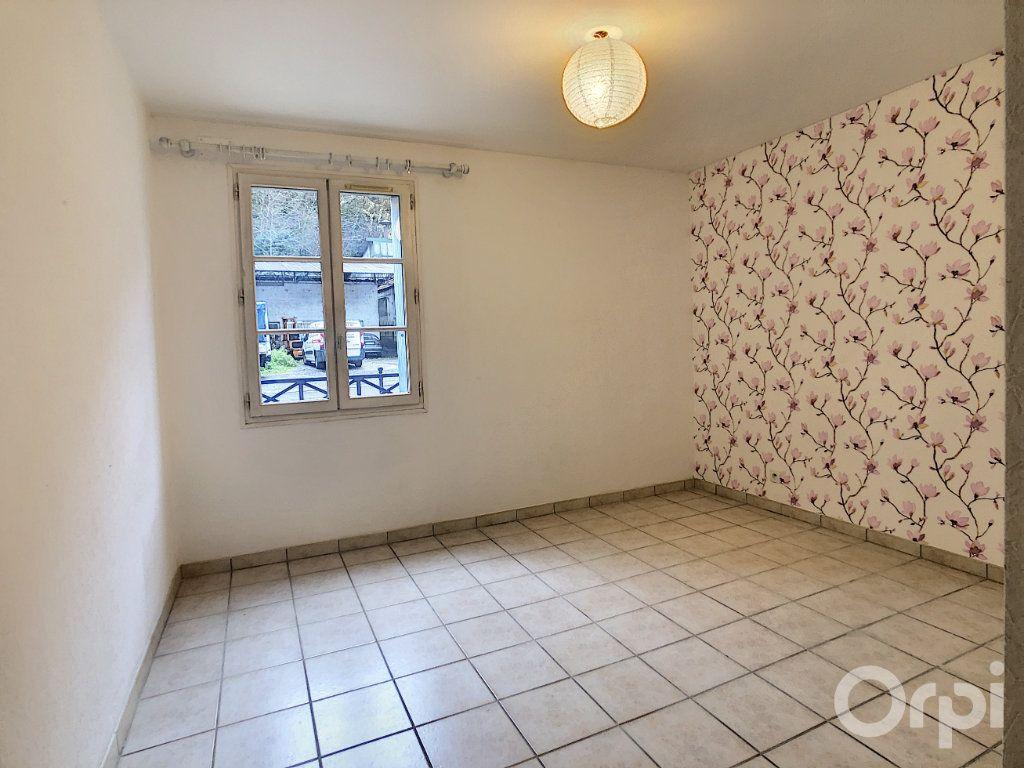 Appartement à louer 3 67m2 à Terrasson-Lavilledieu vignette-4