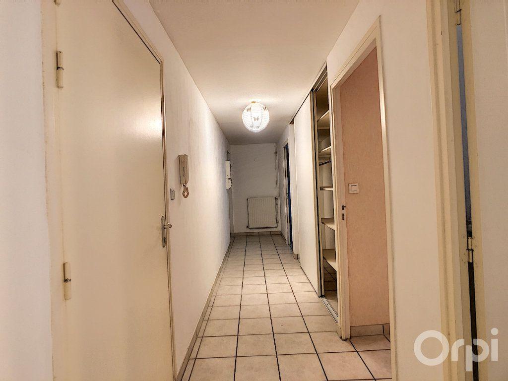 Appartement à louer 3 67m2 à Terrasson-Lavilledieu vignette-6