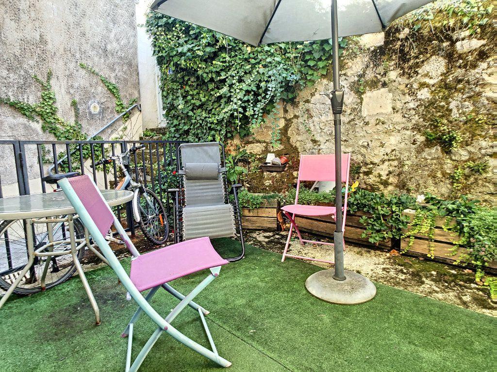 Maison à vendre 4 65m2 à Terrasson-Lavilledieu vignette-3