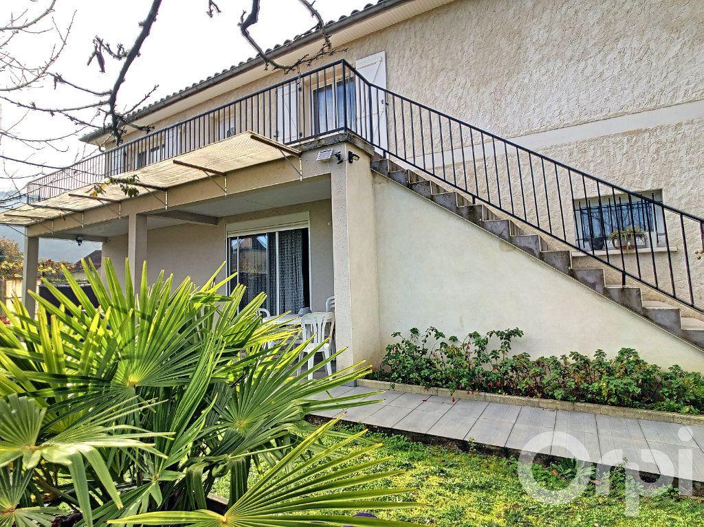 Maison à vendre 6 218m2 à Terrasson-Lavilledieu vignette-1