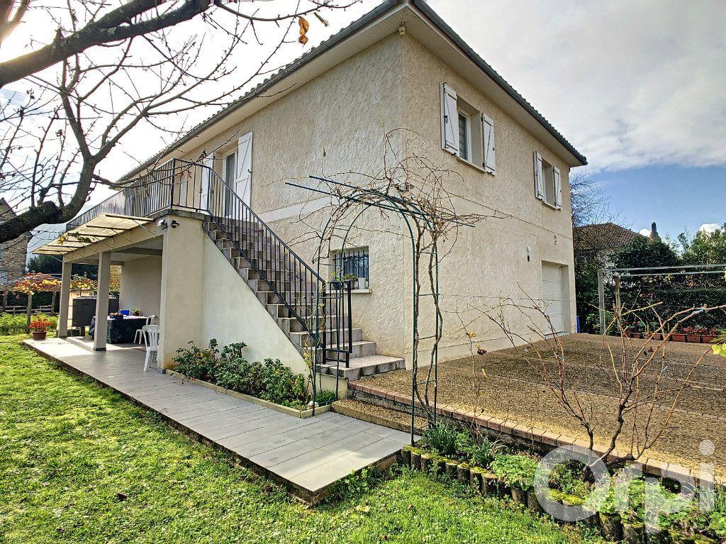 Maison à vendre 6 218m2 à Terrasson-Lavilledieu vignette-2
