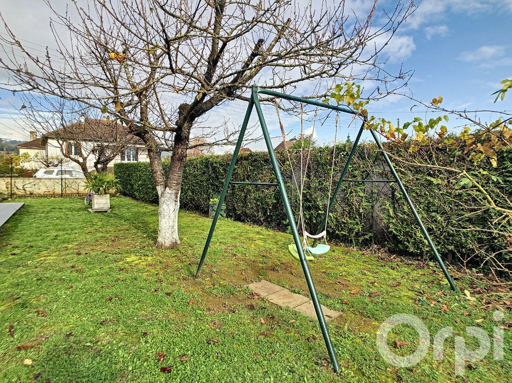 Maison à vendre 6 218m2 à Terrasson-Lavilledieu vignette-3