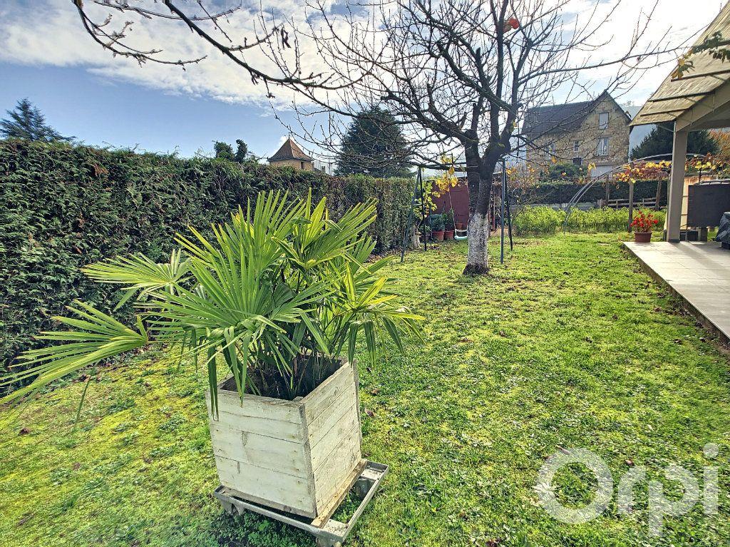 Maison à vendre 6 218m2 à Terrasson-Lavilledieu vignette-4