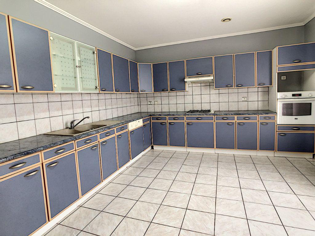 Maison à vendre 6 218m2 à Terrasson-Lavilledieu vignette-9