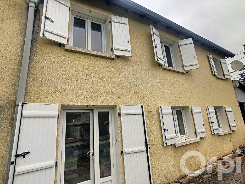 Maison à vendre 3 51m2 à Le Lardin-Saint-Lazare vignette-1