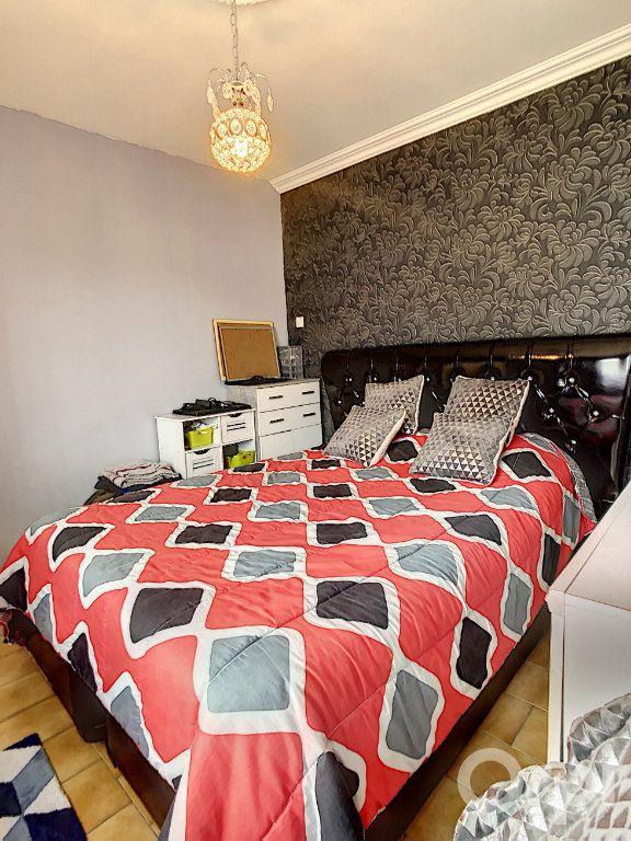 Maison à vendre 5 70m2 à Terrasson-Lavilledieu vignette-6