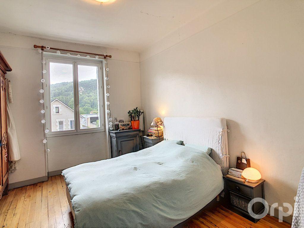 Appartement à louer 4 85m2 à Terrasson-Lavilledieu vignette-4