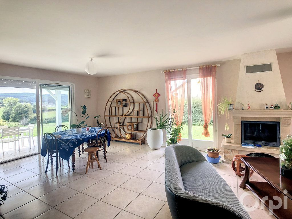 Maison à louer 7 159.6m2 à Larche vignette-1