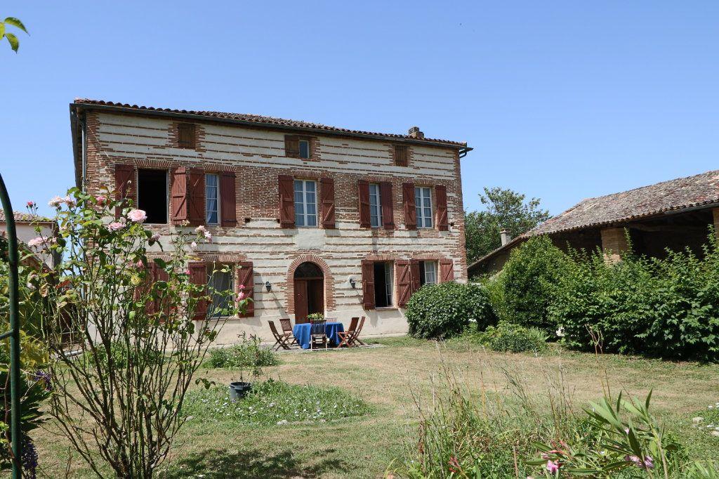 Maison à vendre 7 396m2 à Monbéqui vignette-1