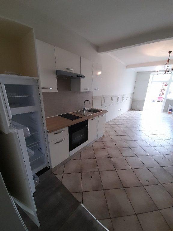 Maison à vendre 3 107m2 à Lavit vignette-1
