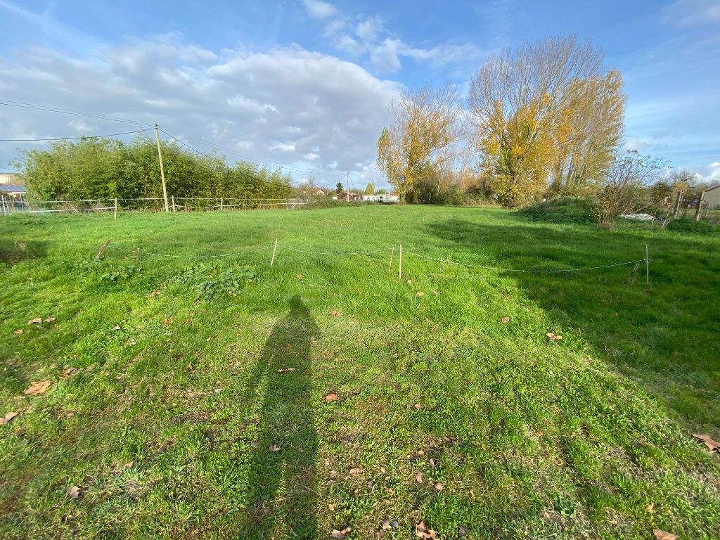 Terrain à vendre 0 1500m2 à Beaumont-de-Lomagne vignette-1