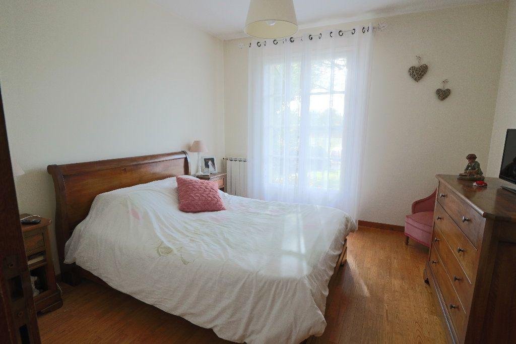 Maison à vendre 5 235m2 à Beaumont-de-Lomagne vignette-6