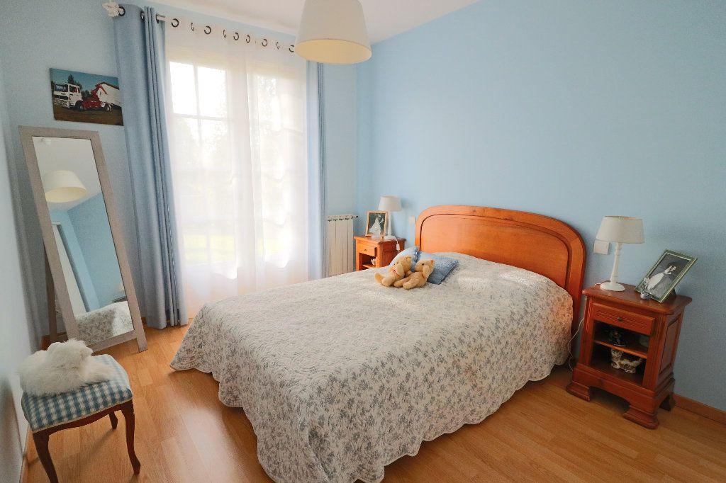 Maison à vendre 5 235m2 à Beaumont-de-Lomagne vignette-7
