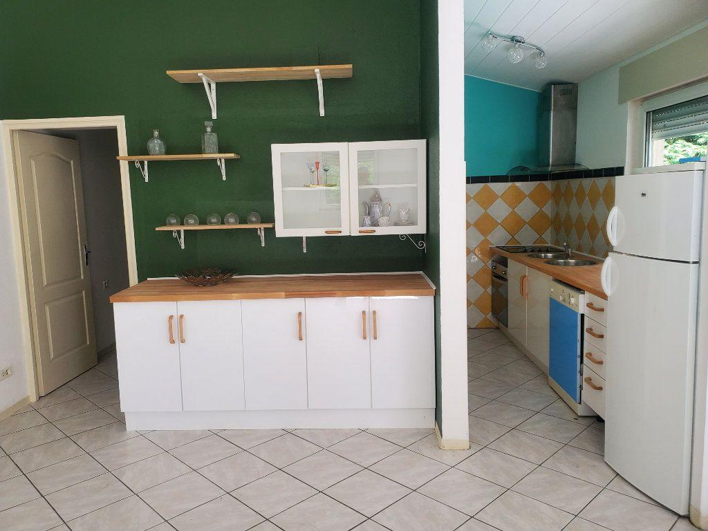 Maison à louer 4 105m2 à Pompignan vignette-7