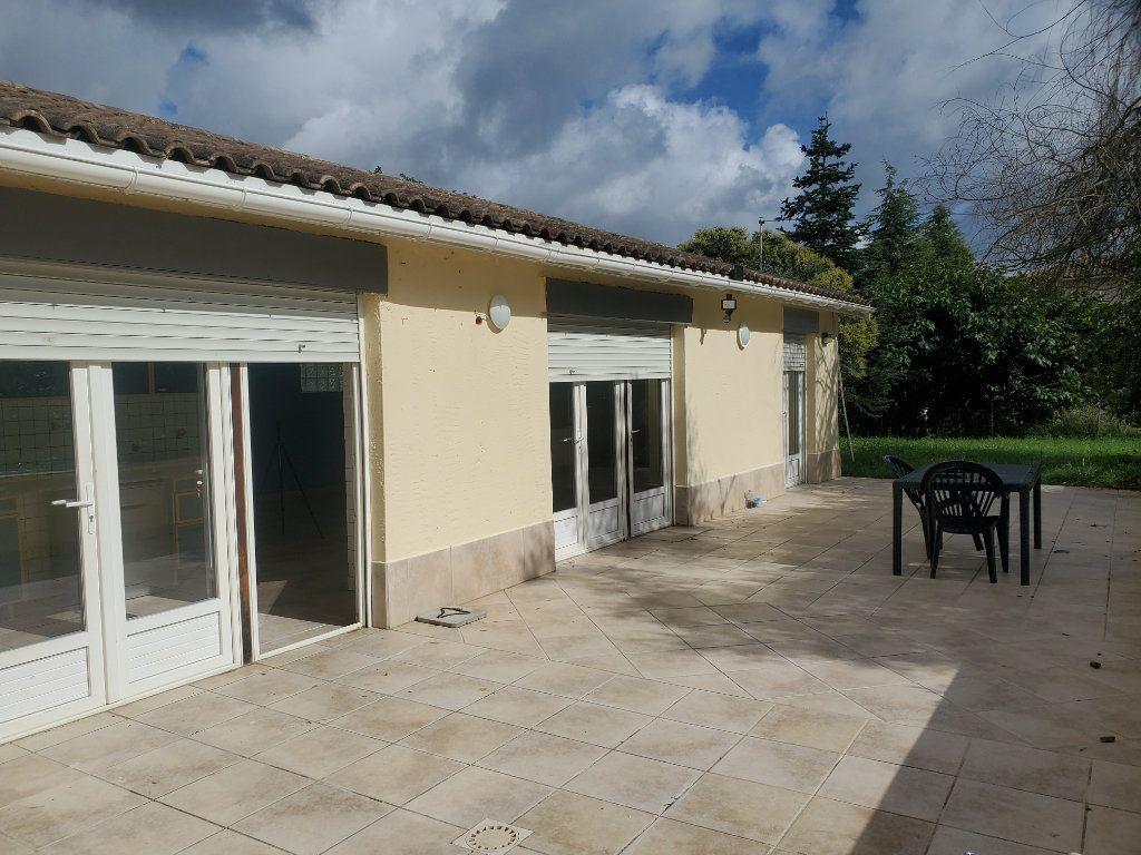 Maison à louer 3 85m2 à Pompignan vignette-1