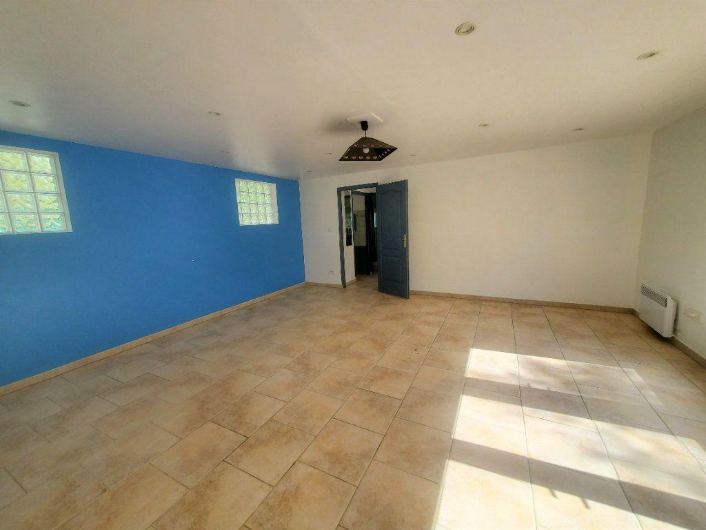 Maison à louer 3 85m2 à Pompignan vignette-2
