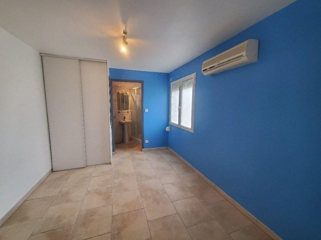 Maison à louer 3 85m2 à Pompignan vignette-3