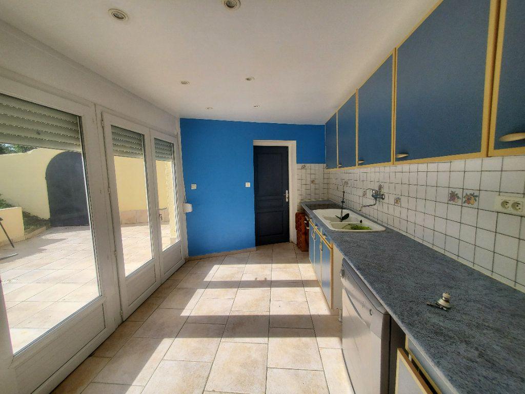 Maison à louer 3 85m2 à Pompignan vignette-5