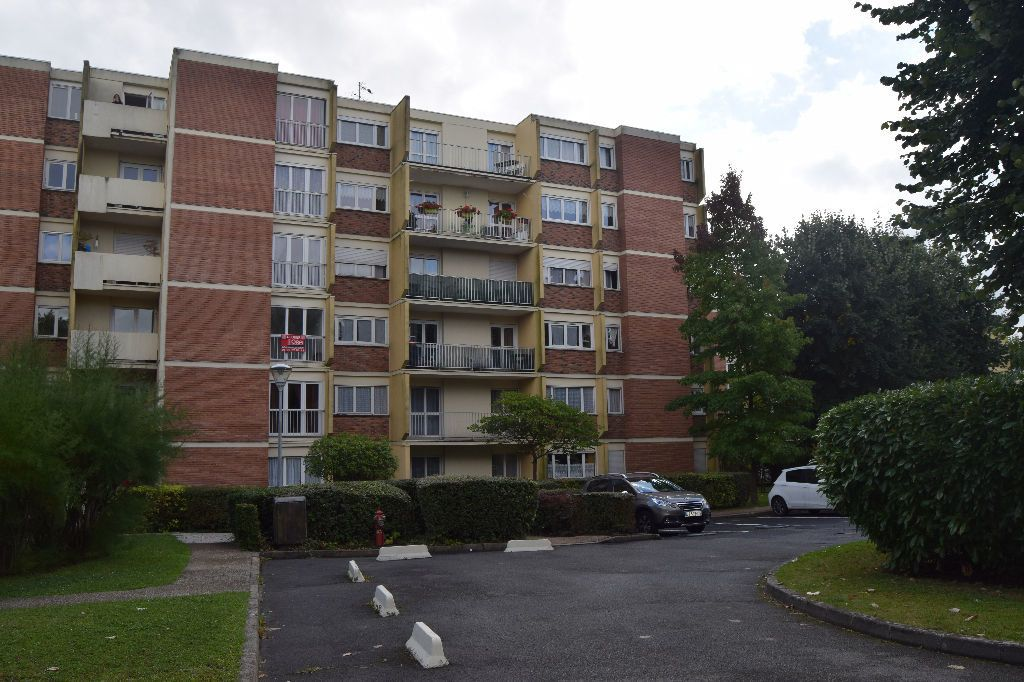 Appartement à louer 3 73.67m2 à Ézanville vignette-1