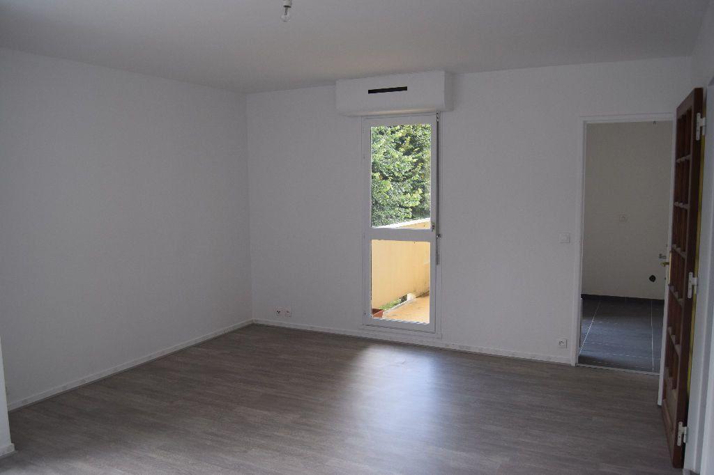 Appartement à louer 3 73.67m2 à Ézanville vignette-3
