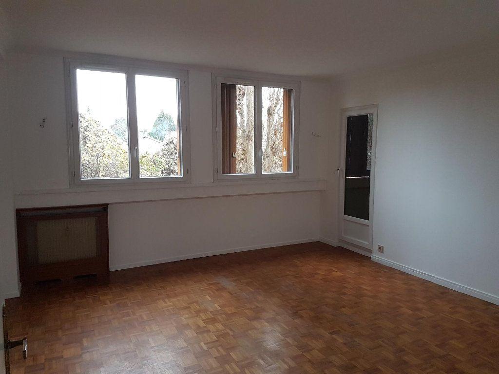 Appartement à louer 4 74m2 à Ermont vignette-2