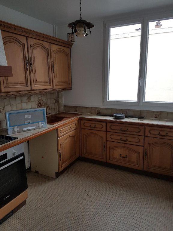 Appartement à louer 4 74m2 à Ermont vignette-3