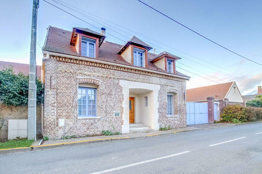 Maison à vendre 6 142m2 à Le Fay-Saint-Quentin vignette-1