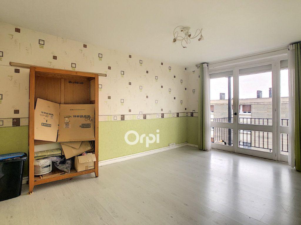Appartement à vendre 4 69.32m2 à Beauvais vignette-3