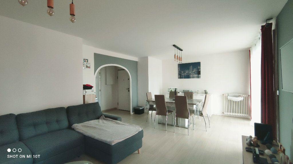 Appartement à vendre 3 76m2 à Beauvais vignette-1