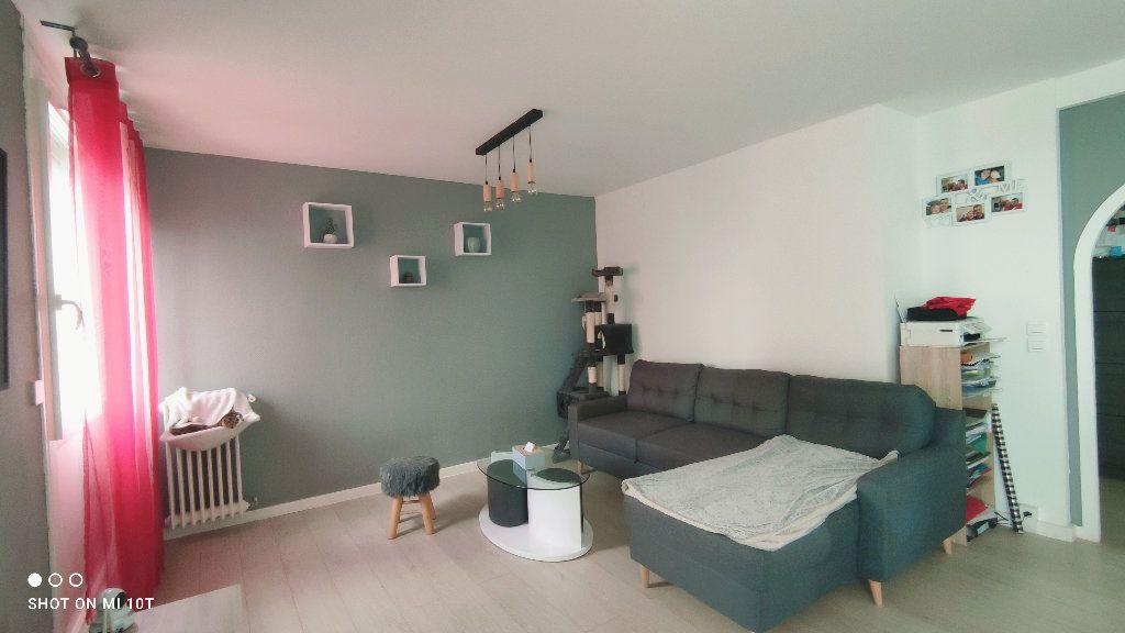 Appartement à vendre 3 76m2 à Beauvais vignette-2