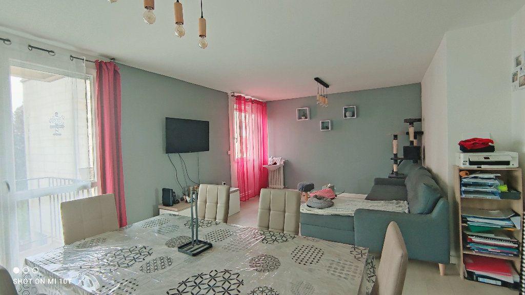 Appartement à vendre 3 76m2 à Beauvais vignette-3