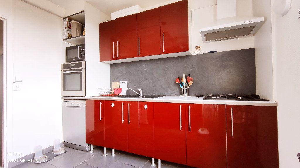 Appartement à vendre 3 76m2 à Beauvais vignette-4