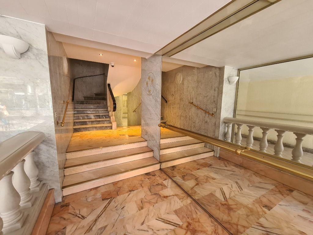 Appartement à vendre 2 43m2 à Nice vignette-10