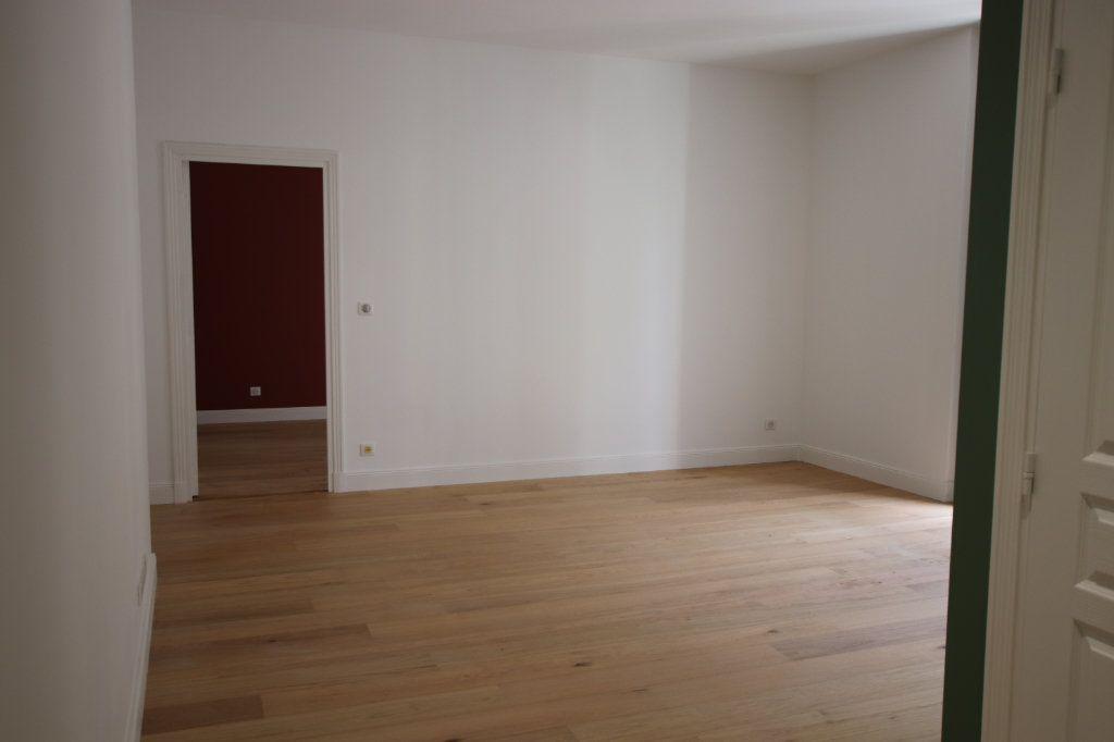 Appartement à louer 2 49.19m2 à Nice vignette-5
