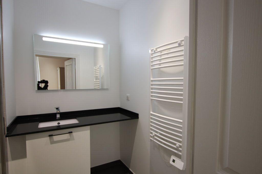 Appartement à louer 2 49.19m2 à Nice vignette-7