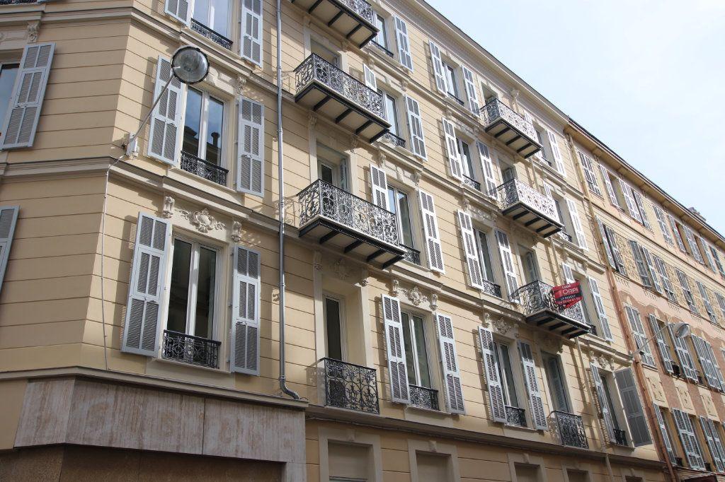 Appartement à louer 2 49.19m2 à Nice vignette-8